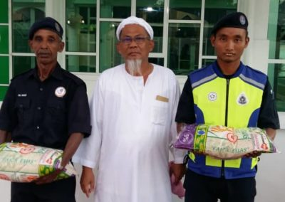 RICE 2019 - Distribution at Masjid Istana Kubang Kerian (10)