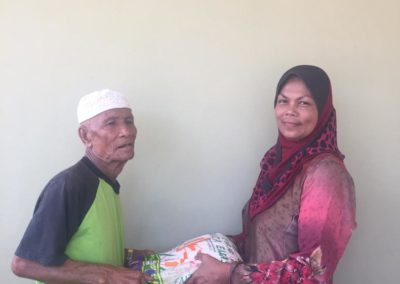 RICE 2019 - Distribution at Masjid Istana Kubang Kerian (2)