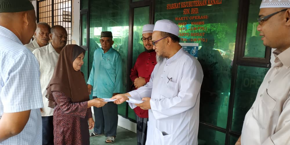 Zakat Distribution at al-Khairiah Office