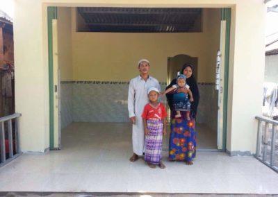 sumbangan 2 buah rumah di vietnam (1)